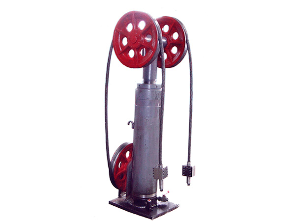 第三代产品钢丝绳提升机